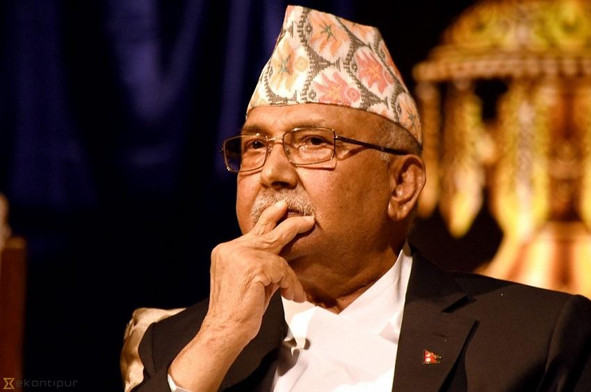 नेपाल में राजनीतिक संकट, खतरे में केपी ओली की गद्दी, आपात बैठक