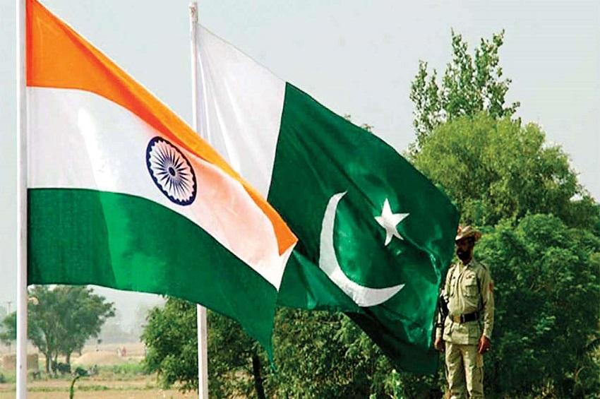 भारत के दबाव में झुका पाक:दूतावास के दोनों कर्मियों को किया रिहा